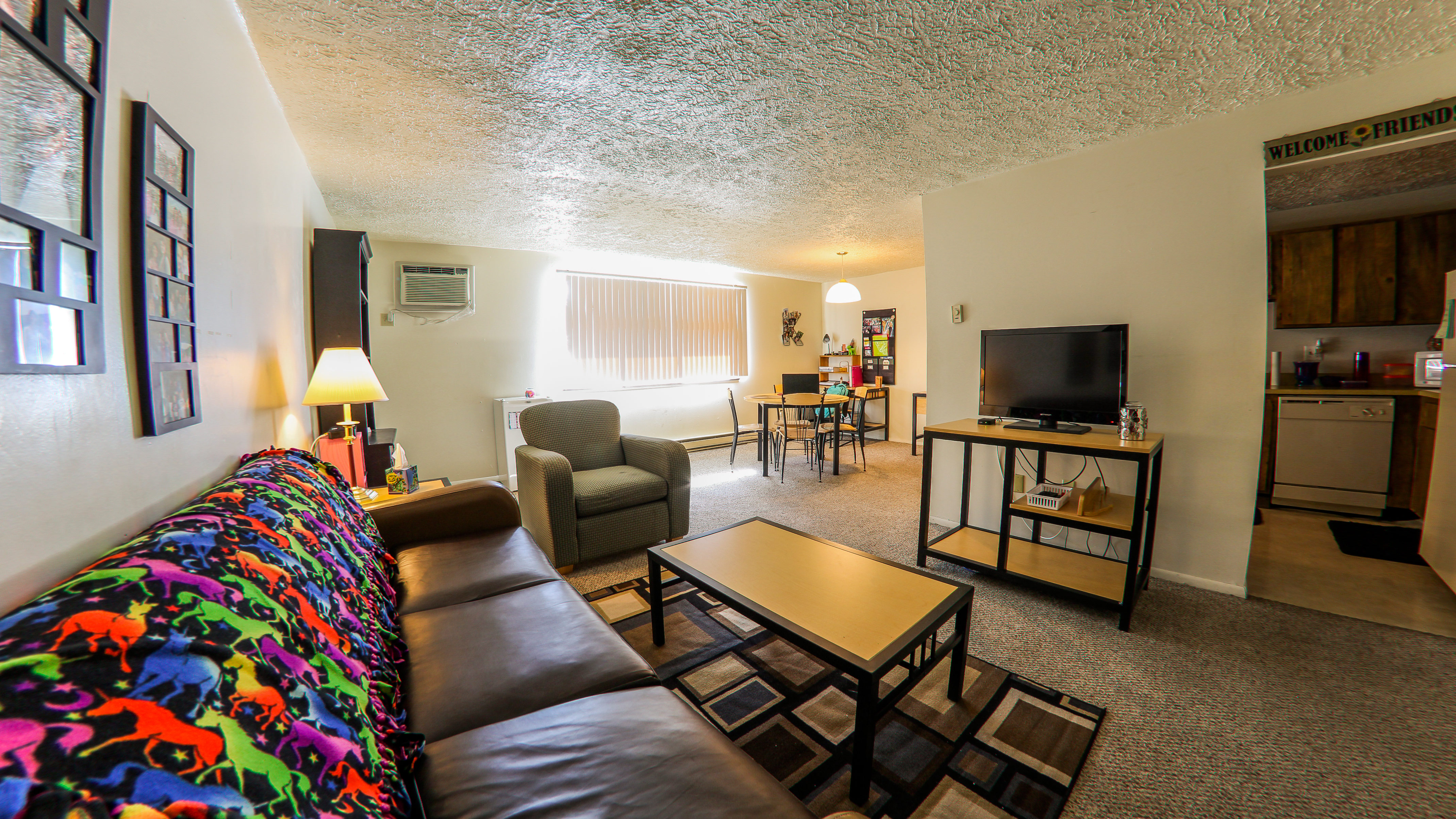 Perry avenue campus view apartments for Affordable furniture pittsburgh